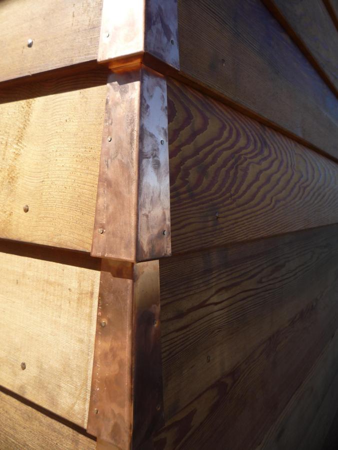 Detail - corner