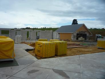 Concrete slab with saw cuts (22.09.2013)